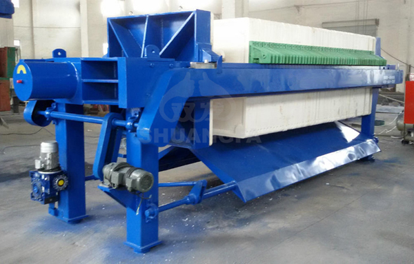 Automatic chamber filter press for wastewater treatment